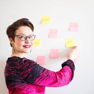 Henna tässä Moi! Toimiston organisointi ja projektinhallinta.